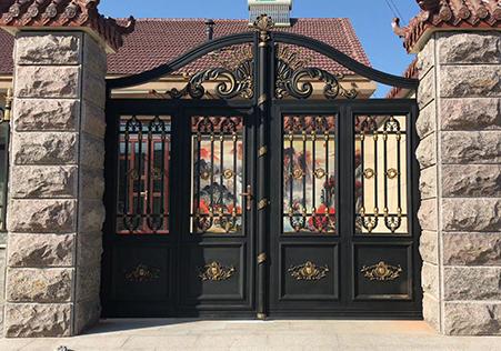 半封闭式庭院大门